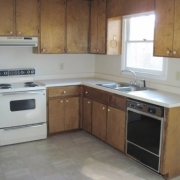 6112_krandon_dr_kitchen